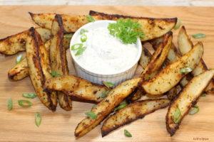 Savoury Potato Wedges with Dressed Up Sour Cream | urbnspice.com