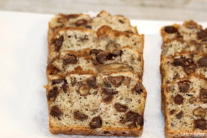 Chocolate Chip Banana Bread with Crunchy Topping   urbnspice.com