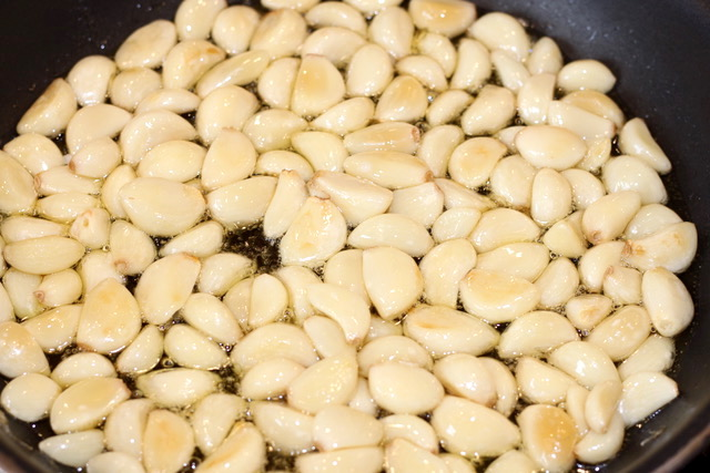 Pan Roasting Garlic cloves | urbnspice.com