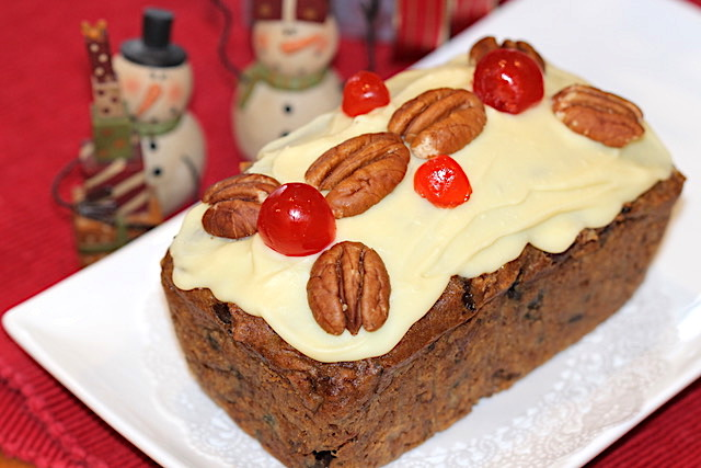 Holiday Fruitcake | urbnspice.com