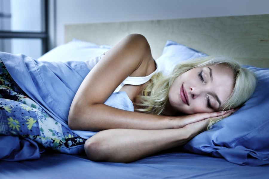 9 Easy Science-Backed Tips To Sleep Faster