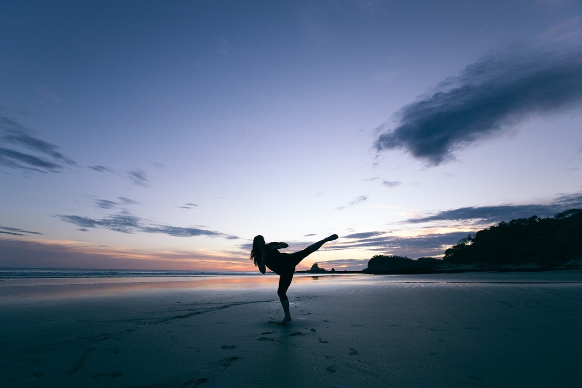 woman-silhouette-on-beach
