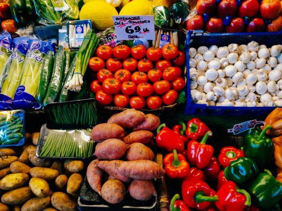 fresh-vegetables-snacking