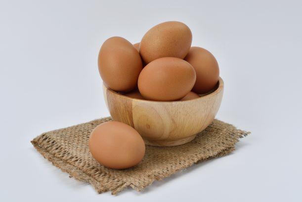 bowl-close-up-eggs