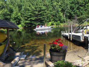 2016-08-08  Pot Luck at Roberts' cottage (Dorothy's) 2066