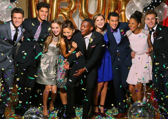 toronto party bus Prom