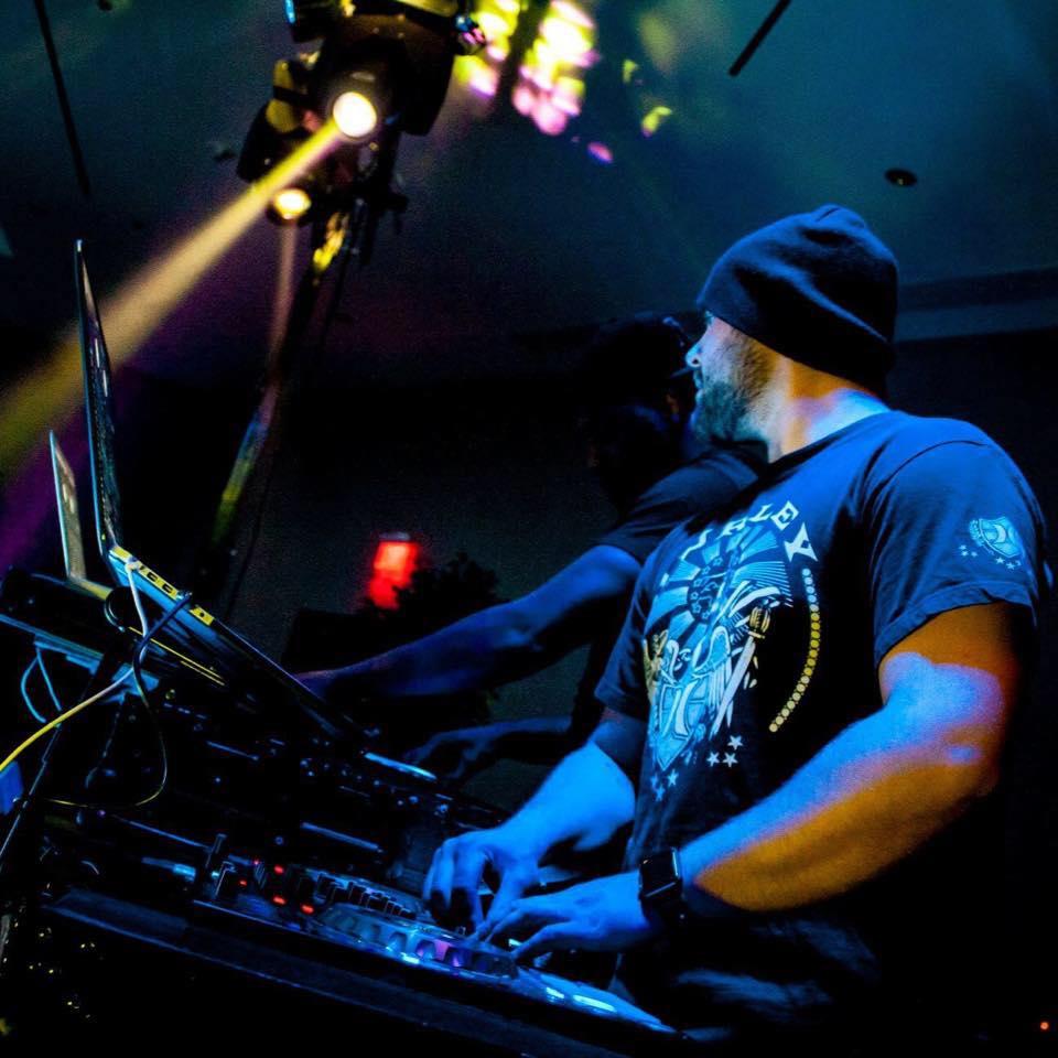 DJ StowW