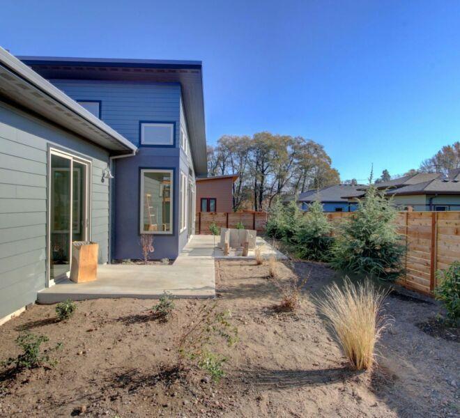 Verde Vilage Phase 2 landscaped yard