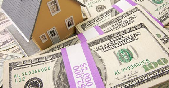 Is It Better to Pay Off Your Mortgage, or Invest?