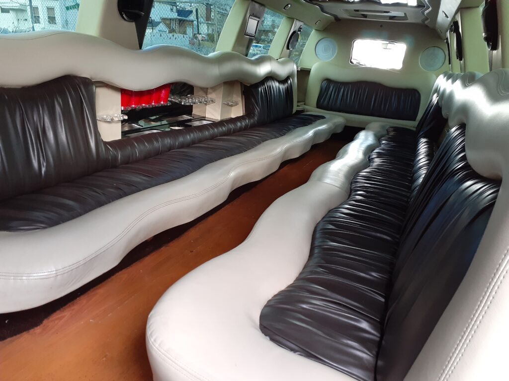 Thee escalade limo at new york citys best limo service