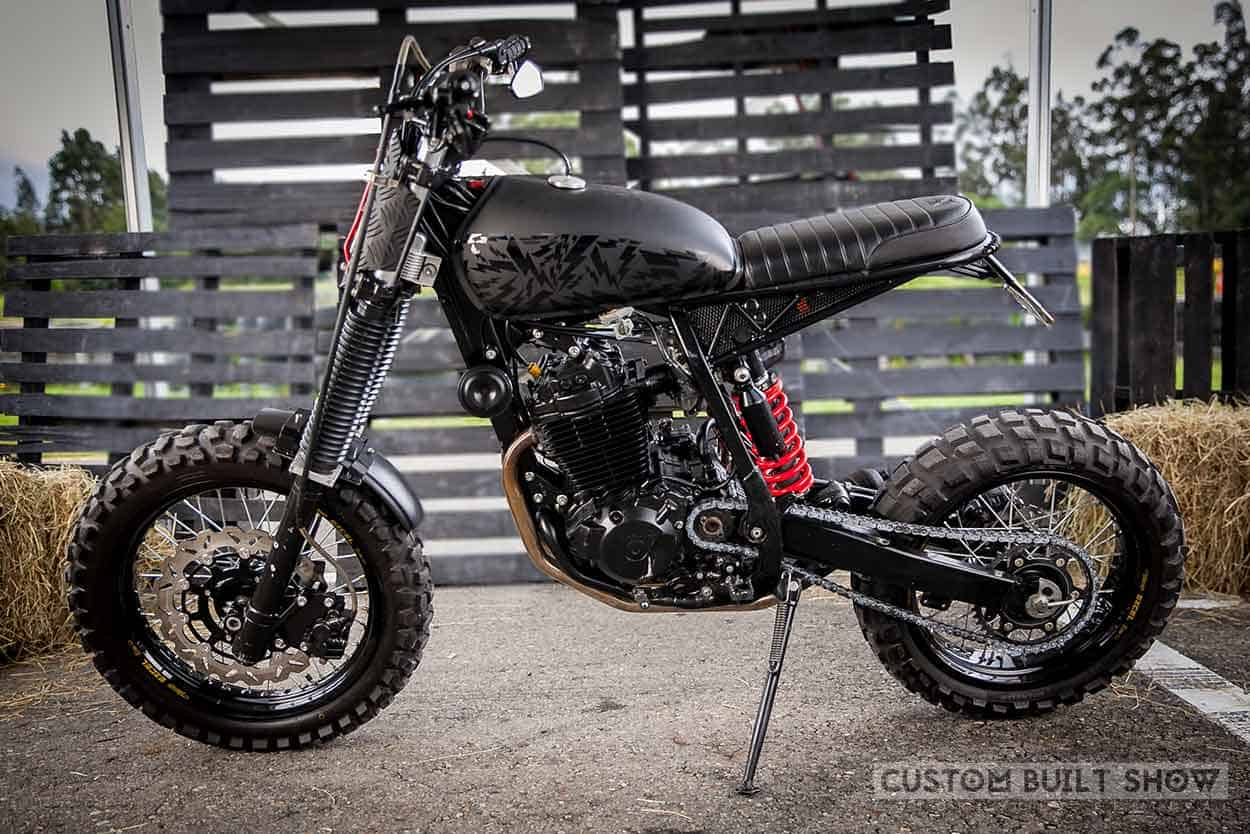 Honda XR 400R por Ace Custom Shop