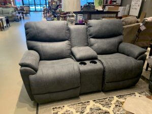 LA-Z-BOY TROUPER RECLINING LOVESEAT WITH CUPHOLDER STORAGE CONSOLE in INK