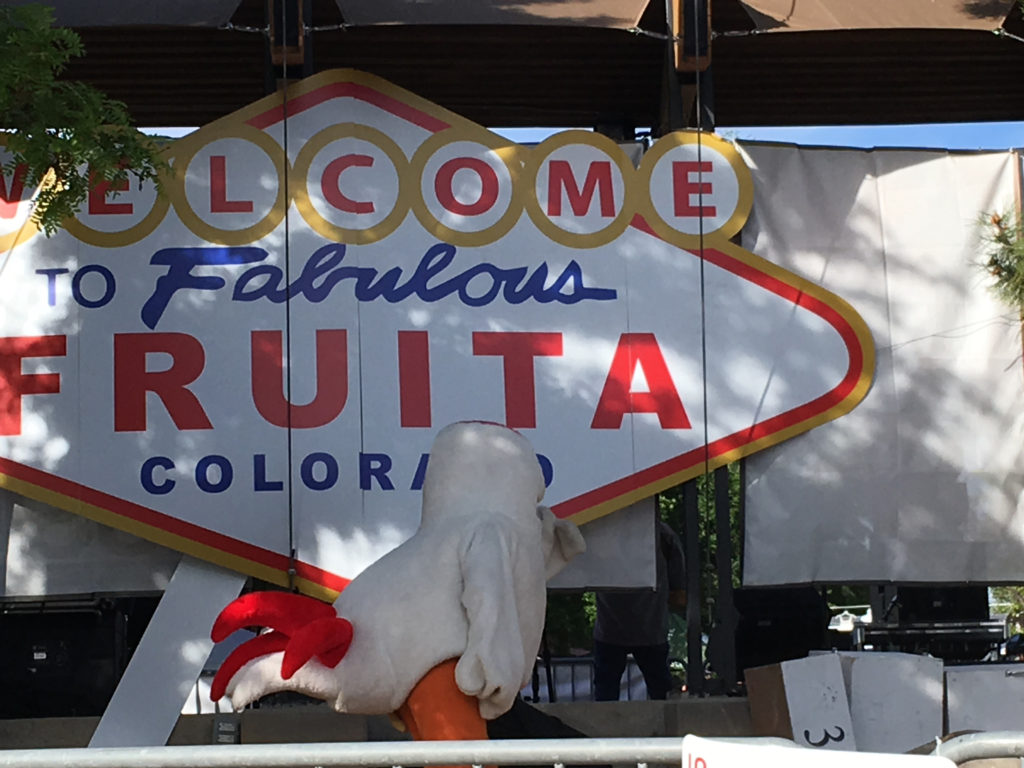 Retro style city sign reads Welcome to Fabulous Fruita Colorado.