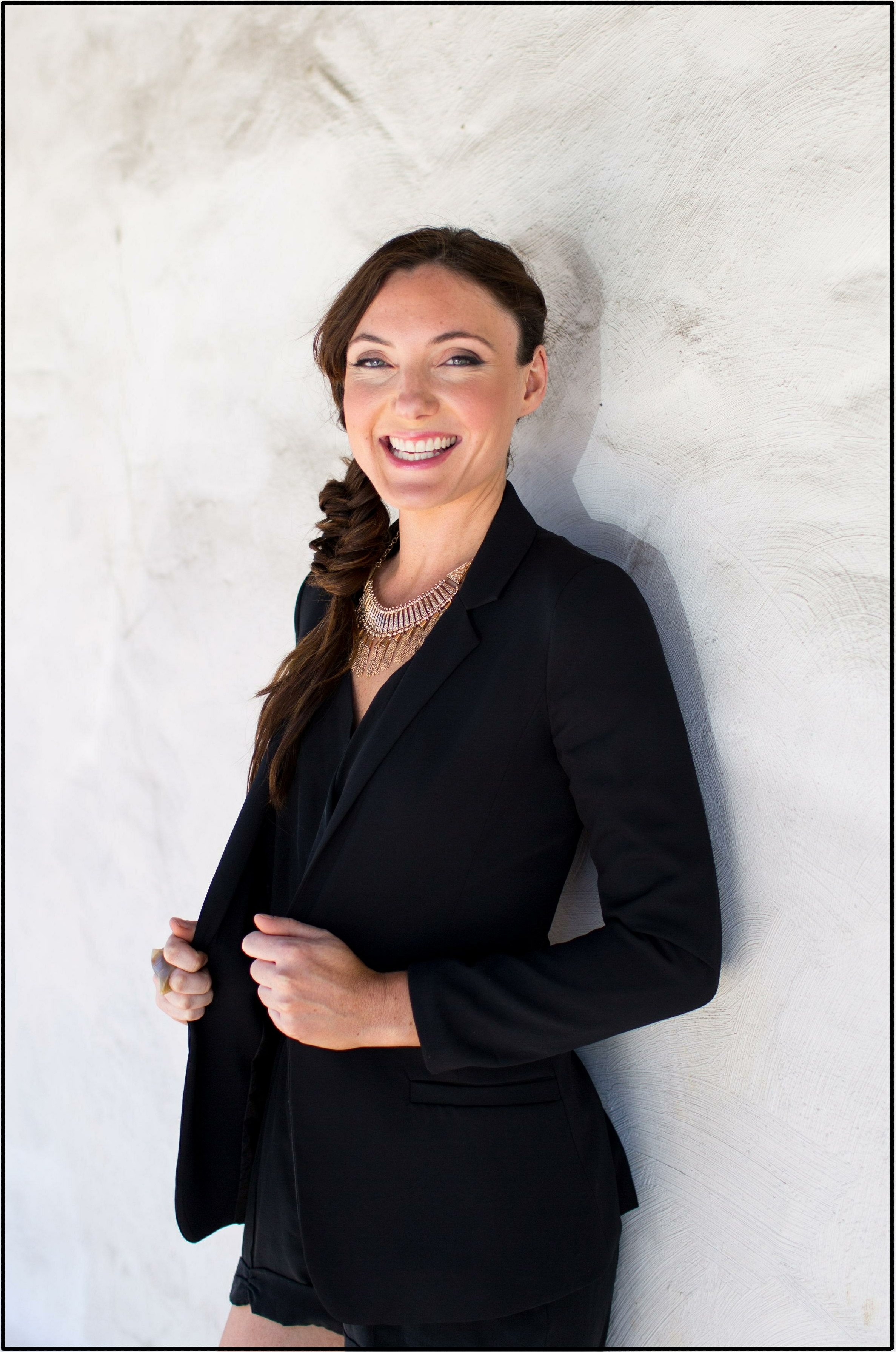 Meet Danielle Frey, owner of Bloom, Mendocino, and unquestionably one of the best makeup artists in Northern California. Danielle and her team offer premier, inspirational bridal makeup and hair services, both at her salon or on location.