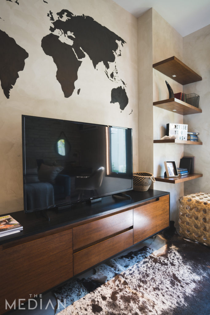 space-saving furniture_mounted