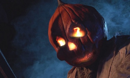 barn pumpkin head