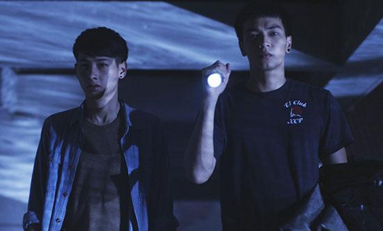 blue hour flashlight