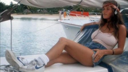 piranha 2 80s girl