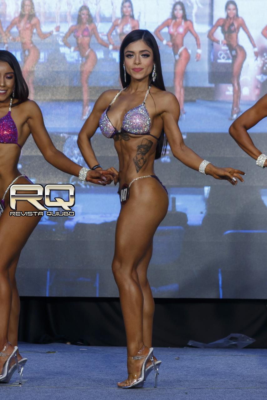 Paulina Góngora bikini fitness