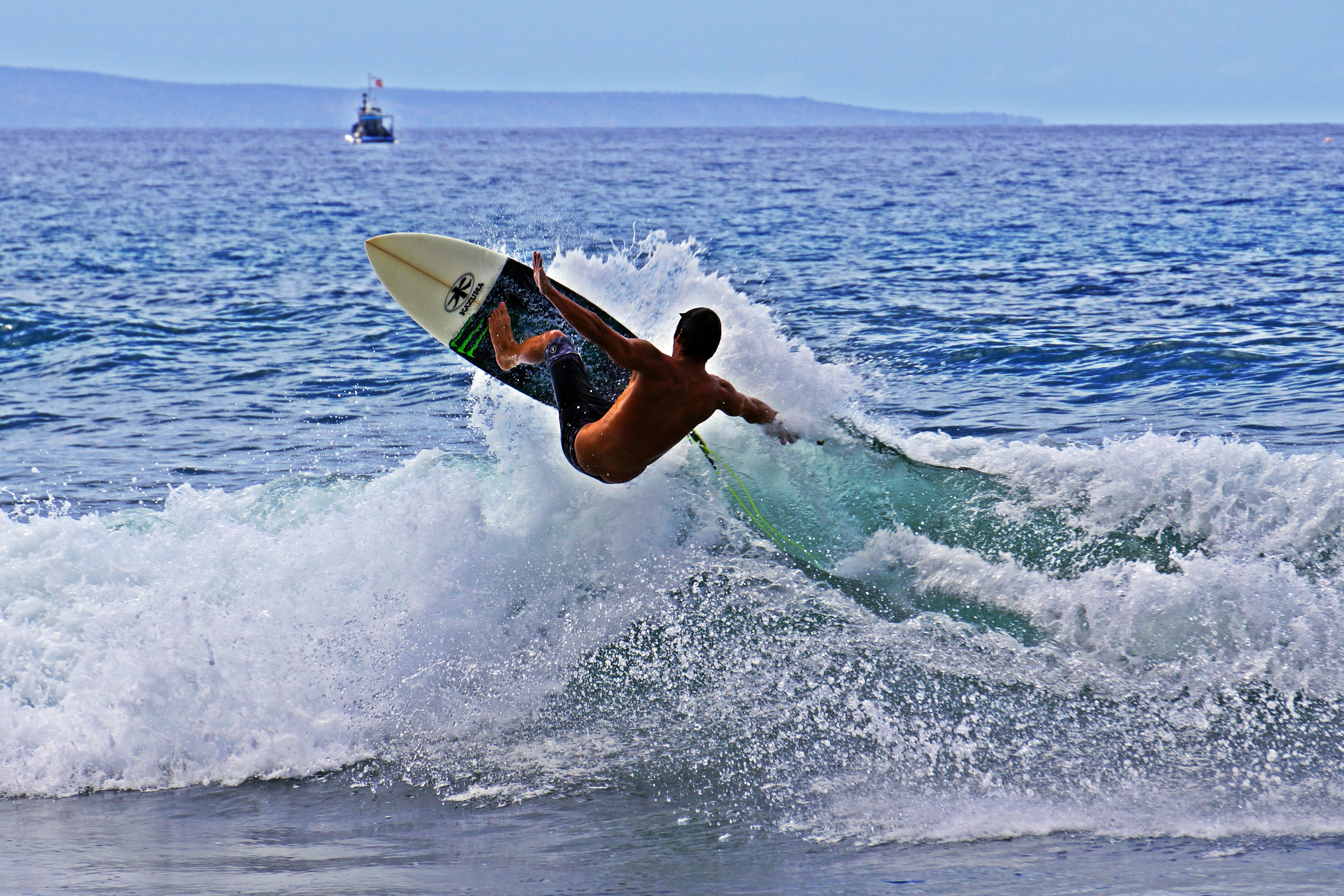 Ian Surfing Lahaina Video