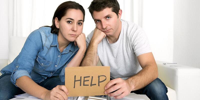 Pareja necesita ayuda para cancelar las deudas