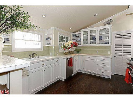Amy Smart Home with Wolf Gas Range to Right in Pic