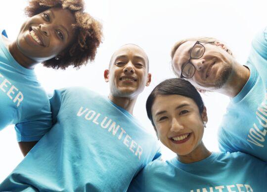 volunteer-3980607_1920