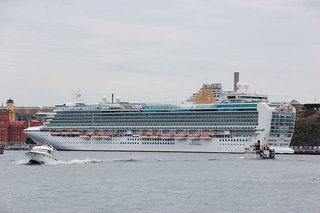 P&O Azura cruise ship