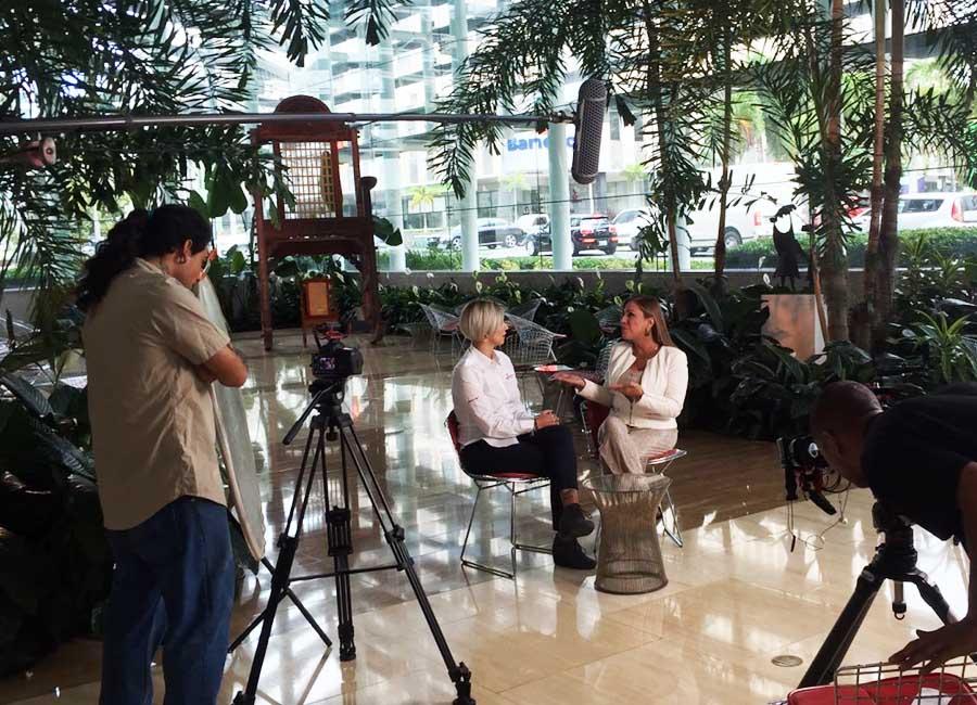 Astrid Velez - Entrevista de television