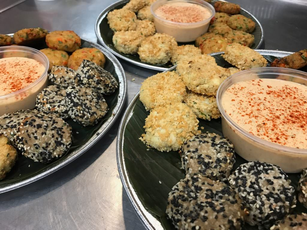 Seafood cake platter