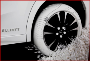 AutoInformed.com on Lexus 2019 Sole of the UX - a rubber sneaker?
