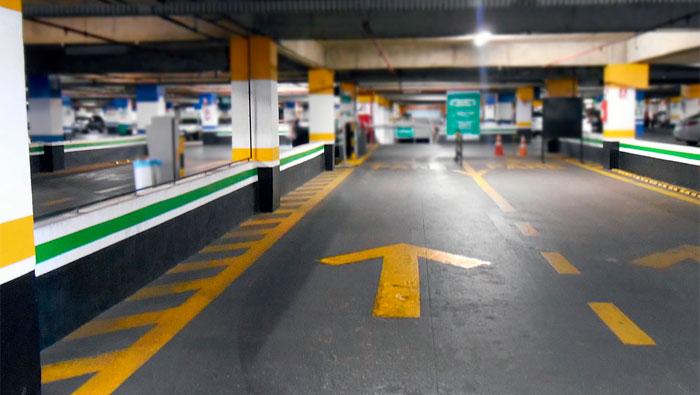 Tem um estacionamento NA FRENTE DA clínica | Inglês BÁSICO Todos os Dias #123