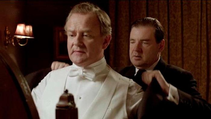 O camameiro do Presidente Eisenhower o OBSERVAVA se vestir.   Falso Cognato #4   Inglês Todos os Dias #492