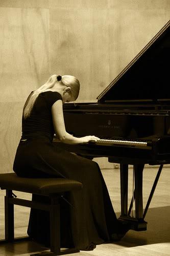 10 Piano Recital Tips