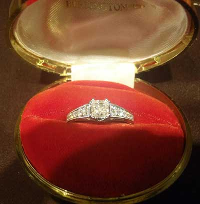 Engagement-ring-in-box.