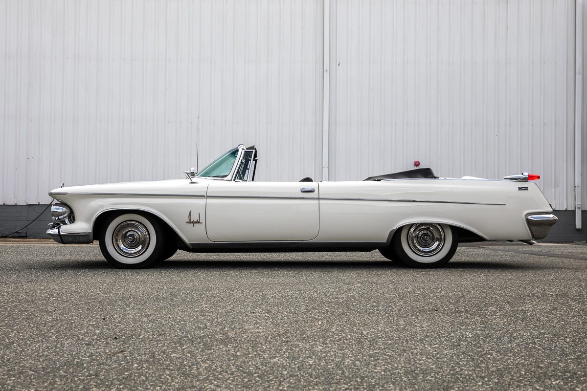 1962 Chrysler Imperial Convertible