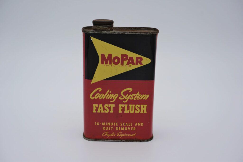 Antique Mopar Cooling System Fast Flush, 1 pint can.