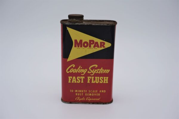 Antique Mopar Cooling System Fast Flush, 1 pint can.