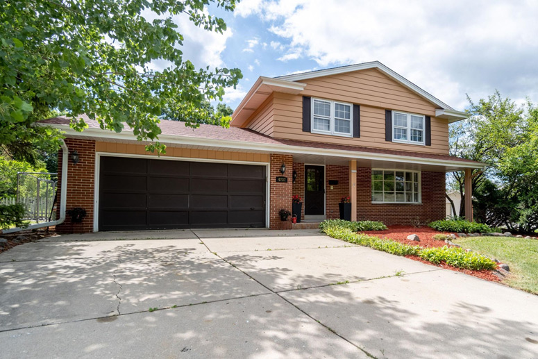 4737 Sycamore St, Greendale, WI 53129