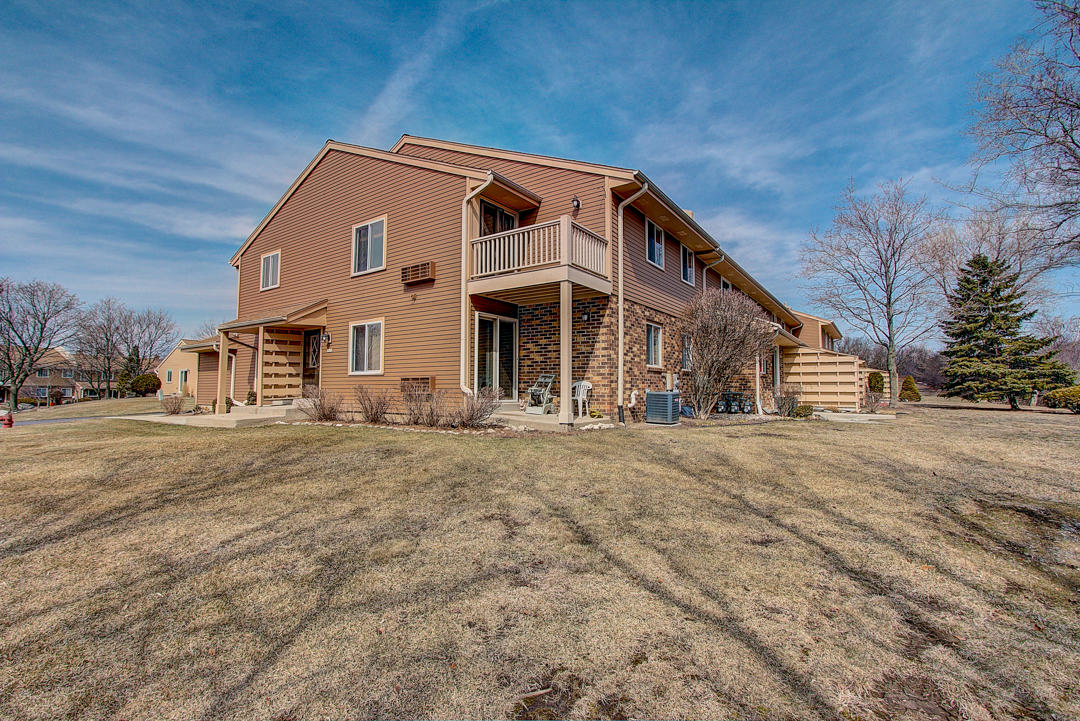 4634 S Woodland Dr Greenfield, Wisconsin 53220-3844