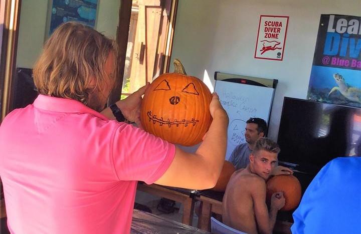 Pumpkin Carving diving