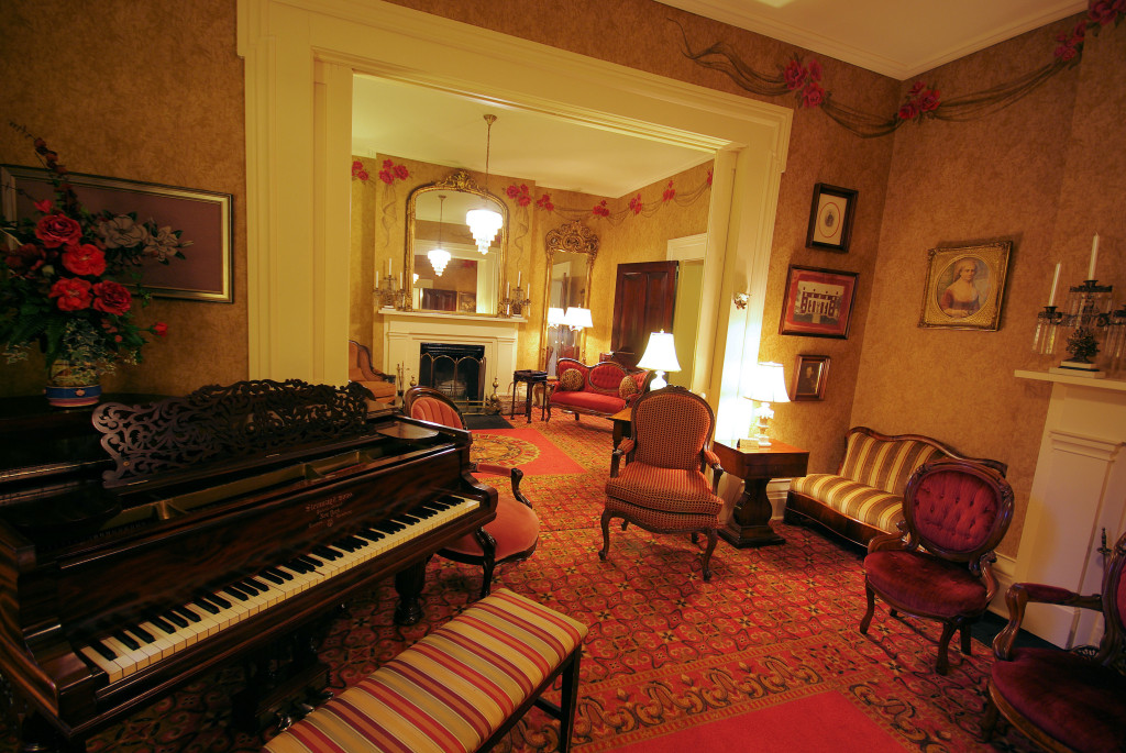 Beaumont Inn Parlor