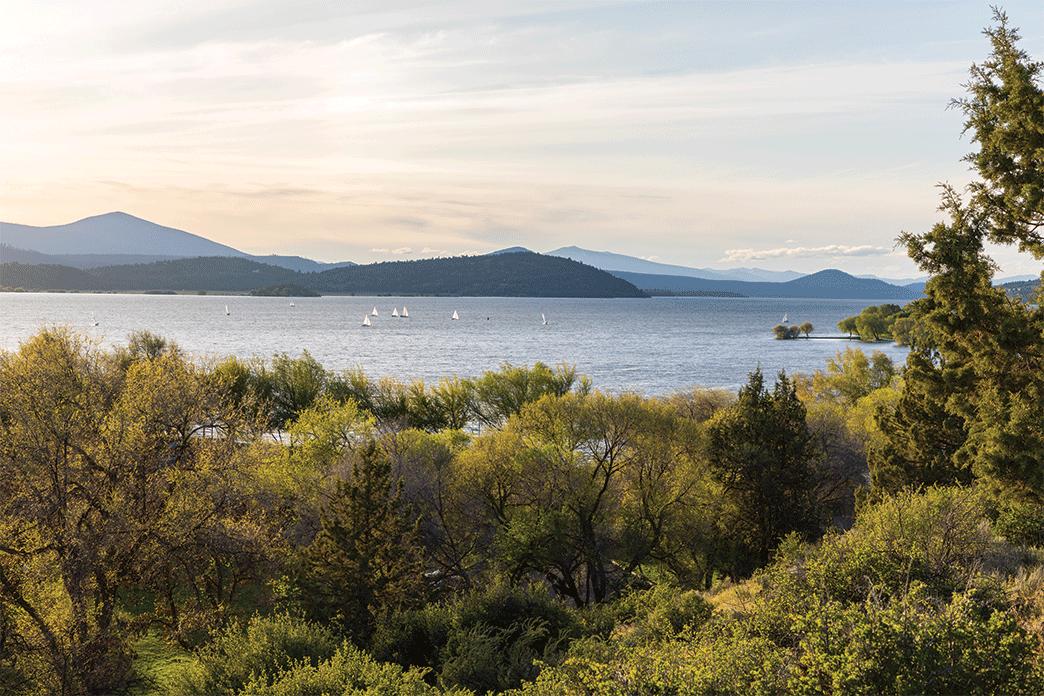 View of Upper Klamath Lake and sailboats as you travel the Coast Starlight in Klamath Falls.