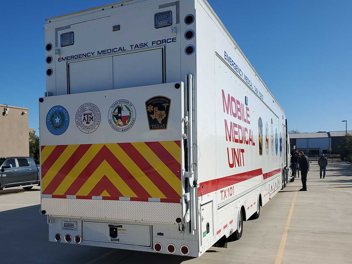 Photo Texas Emergency Covid  Mobile Icu Facility Back View Close Up Before Install