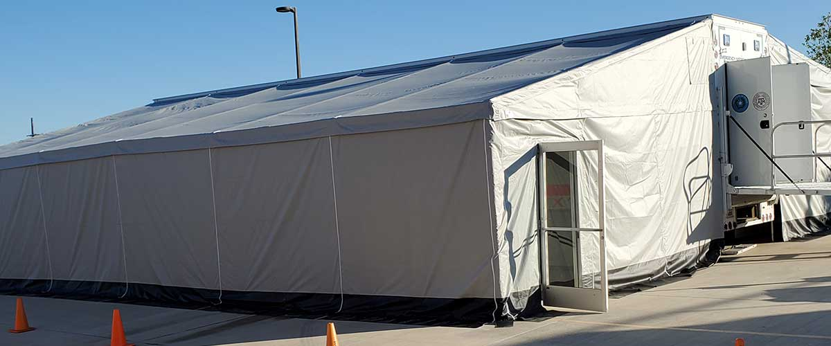 Photo Texas Emergency Covid  Mobile Icu Facility Curbside View After Full Install