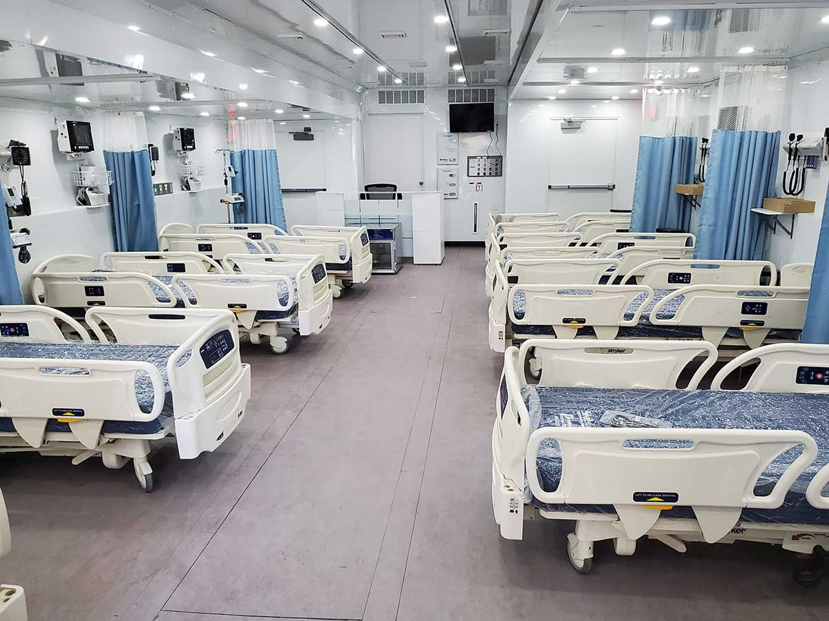 Photo Texas Emergency Covid  Mobile Icu Facility Inside Looking Back After Beds Installed
