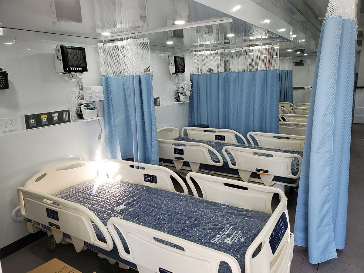 Photo Texas Emergency Covid  Mobile Icu Facility Inside Side View After Beds Installed