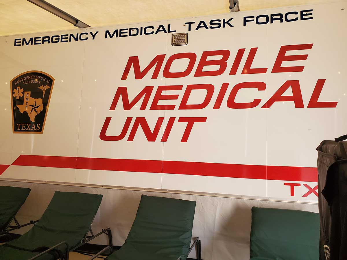 Photo Texas Emergency Covid  Mobile Icu Facility Inside Waiting Area