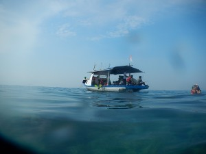 KM Bintang Fajar melayani wisata ke Pulau Pari
