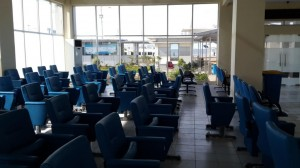 Suasana ruang tunggu di pelabuhan Kali Adem Muara Angke. Rapi dan Nyaman dengan AC